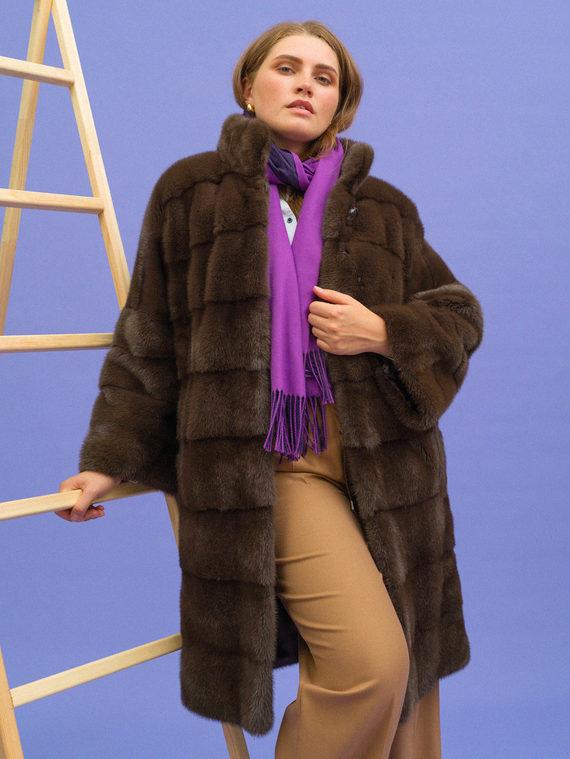 Шуба из норки мех норка, цвет коричневый, арт. 07108885  - цена 99990 руб.  - магазин TOTOGROUP